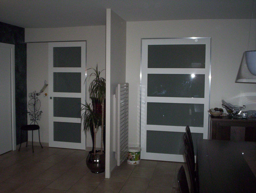 portes coulissantes bois massif peint verre opale. Black Bedroom Furniture Sets. Home Design Ideas